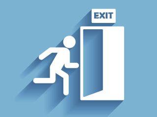 Sabías que… ¿existe una teoría que propone poner obstáculos en las salidas para salvar vidas durante las evacuaciones?